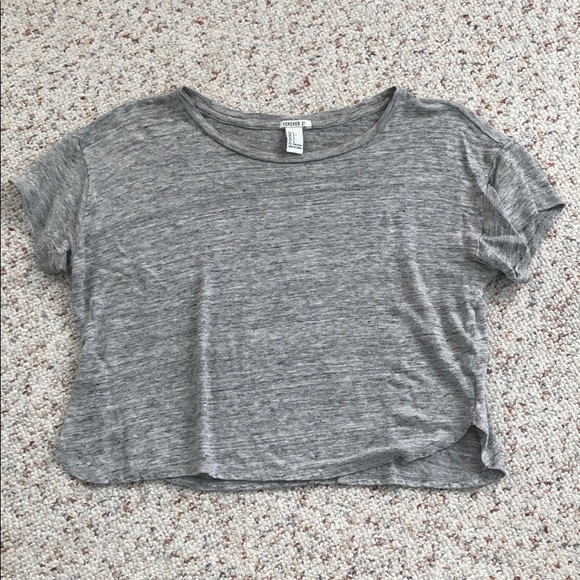 Forever 21 Tops - Cropped t-shirt